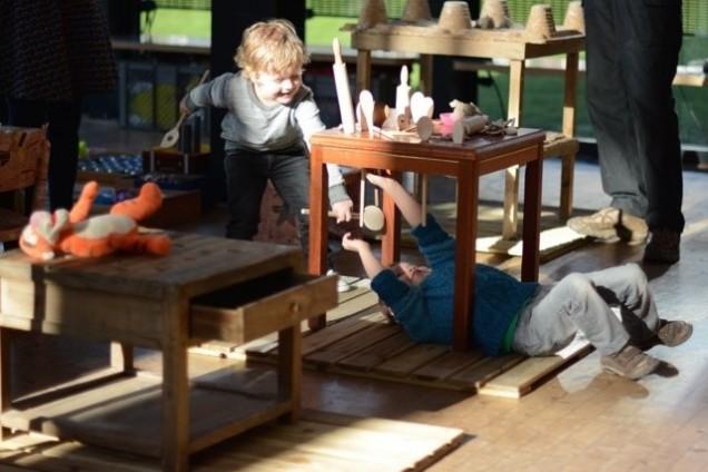 Onder de tafel - Van den heuvel & Smits